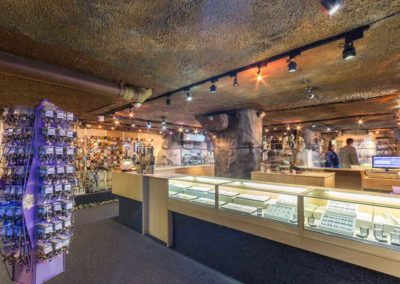 Simons-Town-Mineral-World-1