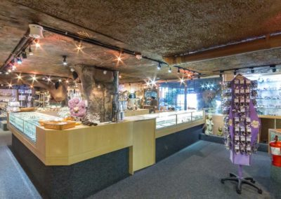 Simons-Town-Mineral-World-10