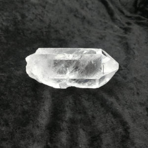 crystal,point,rough,natural,rock,clear,quartz