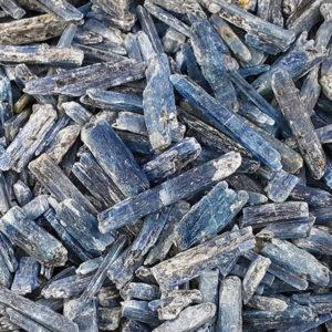 kyanite,blue,blade